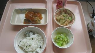 45-27日昼食.JPG