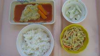 67-29日夕食ホキをトマトソースに取り換えた.JPG